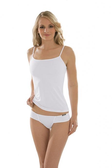 Comazo Unterwäsche, String low-cut für Damen in weiss - Ganzkörperansicht